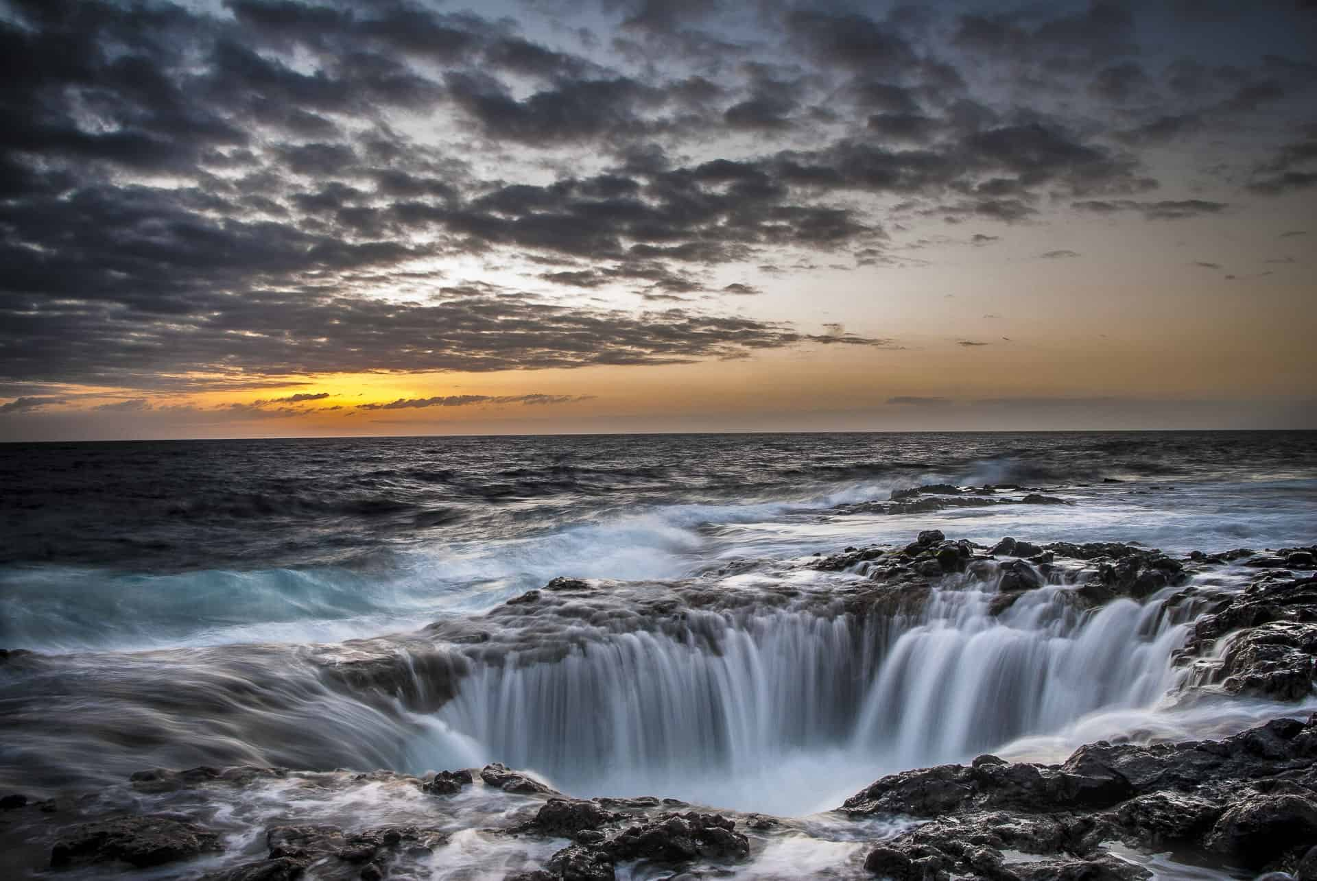 Photo of the coastline to demonstrate using the best lens for seascape photography